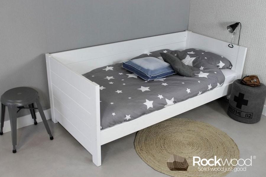 https://afbeelding.kinderbed.biz/images/BBSW/Rockwood-Kinderbedden-Bedbank-Sam-Wit-3.jpg