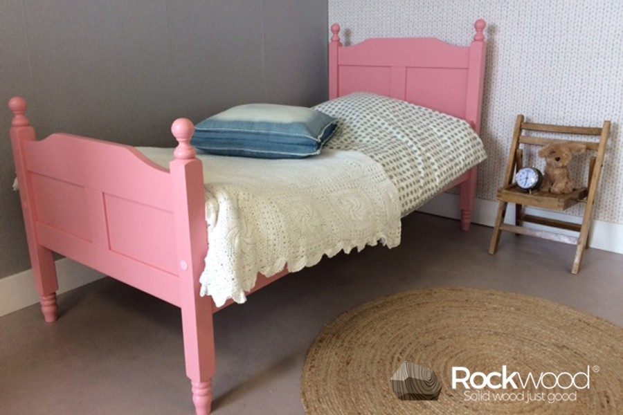 https://afbeelding.kinderbed.biz/images/KBAMP/Rockwood-Kinderbedden-Kinderbed-Amalia-Pink-3.jpg