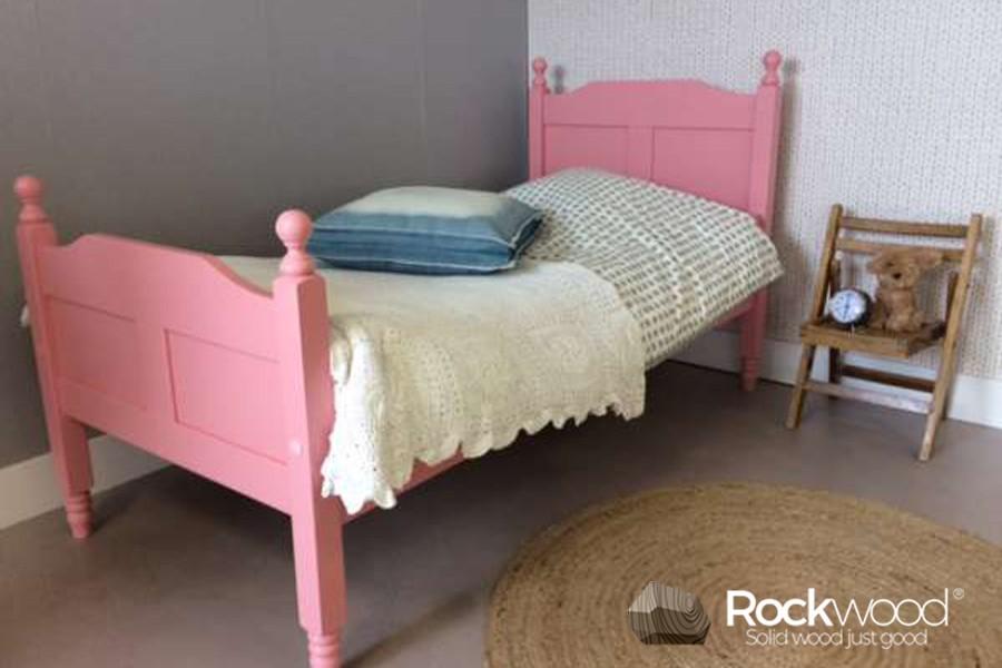 https://afbeelding.kinderbed.biz/images/PBAMP/Rockwood-Kinderbedden-Peuterbed-Amalia-Pink-3.jpg