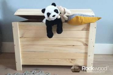 https://afbeelding.kinderbed.biz/images/SGOK/Rockwood-Kinderbedden-Speelgoedkist-Piraat-2_klein.jpg
